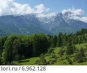 Альпийский пейзаж в окрестностях Гармиш-Патеркирхен. Стоковое фото, фотограф Виталий Федотов / Фотобанк Лори