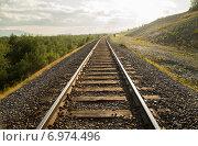 Железная дорога уходит за горизонт. Стоковое фото, фотограф Ольга Головина / Фотобанк Лори