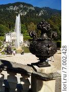 Баварский замок Линдерхоф ранней осенью (2014 год). Стоковое фото, фотограф Юлия Алексеева / Фотобанк Лори