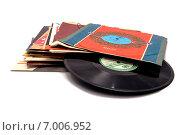 Купить «Грампластинки шестидесятых», фото № 7006952, снято 13 февраля 2015 г. (c) Vitalii Cherniavskyi / Фотобанк Лори