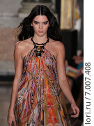 MILAN, ITALY - SEPTEMBER 20: model Kendall Jenner walks the runway at the Emilio Pucci show as a part of Milan Fashion Week Spring/Summer 2015 on September 20, 2014 in Milan, Italy. Редакционное фото, фотограф Anton Oparin / Фотобанк Лори