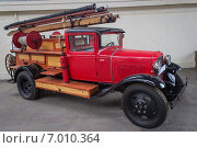 Старая пожарная машина (2014 год). Редакционное фото, фотограф Галина Нагаева / Фотобанк Лори