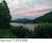 Купить «Алтай, вечер на берегу реки Лебедь», фото № 7013900, снято 5 августа 2002 г. (c) Александр Карпенко / Фотобанк Лори
