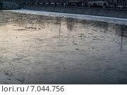 Лед на Москва-реке (2015 год). Редакционное фото, фотограф Анастасия Кузьмина / Фотобанк Лори
