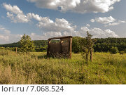 Одинокие ворота на берегу. Стоковое фото, фотограф Александра Задохина / Фотобанк Лори