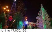 Новогодняя елка на Театральной площади в Красноярске. Таймлапс (2014 год). Редакционное видео, видеограф Леван Каджая / Фотобанк Лори