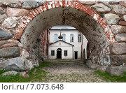 Купить «Церковь Святого Германа Соловецкого в Соловецком монастыре», фото № 7073648, снято 9 июня 2014 г. (c) Юлия Бабкина / Фотобанк Лори