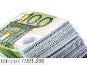Купюры по 100 евро уложены в стопку, сфотографированные крупным планом. Стоковое фото, фотограф Владимир Николаевич Гневушев / Фотобанк Лори