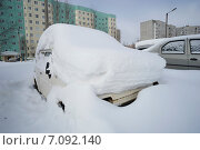 Купить «Автомобили в снегу», фото № 7092140, снято 25 февраля 2015 г. (c) Алексей Маринченко / Фотобанк Лори