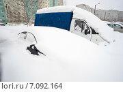 Купить «Автомобили под снегом», фото № 7092164, снято 24 февраля 2015 г. (c) Алексей Маринченко / Фотобанк Лори