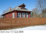 Купить «Деревянный сельский дом», эксклюзивное фото № 7122684, снято 14 марта 2015 г. (c) Елена Коромыслова / Фотобанк Лори