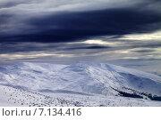 Купить «Зимние горы перед бурей», фото № 7134416, снято 19 февраля 2015 г. (c) Анна Полторацкая / Фотобанк Лори