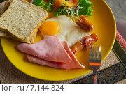 Купить «Калорийный завтрак», фото № 7144824, снято 21 февраля 2015 г. (c) Александр Романов / Фотобанк Лори