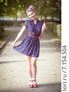Купить «Красивая девушка в стиле ретро», фото № 7154504, снято 17 сентября 2014 г. (c) Darkbird77 / Фотобанк Лори