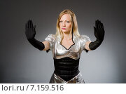 Купить «Tech woman in futuristic concept», фото № 7159516, снято 6 августа 2014 г. (c) Elnur / Фотобанк Лори
