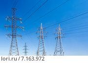 Купить «Линии электропередачи (ЛЭП)», фото № 7163972, снято 14 июля 2014 г. (c) Юрий Губин / Фотобанк Лори