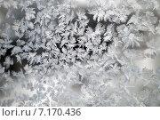 Купить «Морозный узор на стекле», фото № 7170436, снято 1 января 2015 г. (c) Сергей Девяткин / Фотобанк Лори