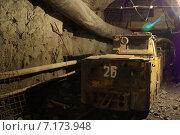 Контактный электроваз К-14 в шахте (2015 год). Редакционное фото, фотограф Виталий Шубарин / Фотобанк Лори