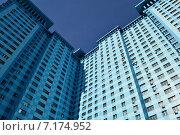 Купить «Двадцативосьмиэтажный пятиподъездный монолитный жилой дом. Авиационная улица, 59. Москва», эксклюзивное фото № 7174952, снято 13 марта 2015 г. (c) lana1501 / Фотобанк Лори