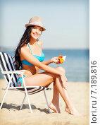 Купить «girl sunbathing on the beach chair», фото № 7189816, снято 11 июля 2013 г. (c) Syda Productions / Фотобанк Лори