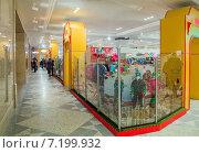 Купить «Интерьер торгового зала Центрального детского магазина (Детского Мира)», эксклюзивное фото № 7199932, снято 31 марта 2015 г. (c) Константин Косов / Фотобанк Лори