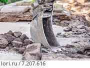 Купить «Ковш экскаватора», эксклюзивное фото № 7207616, снято 18 мая 2014 г. (c) Алёшина Оксана / Фотобанк Лори