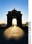 Москва, Триумфальные ворота (2015 год). Стоковое фото, фотограф Андрей Рудницкий / Фотобанк Лори