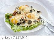 Купить «Яичница с грибами и сыром», фото № 7231044, снято 5 апреля 2015 г. (c) Алексей Маринченко / Фотобанк Лори