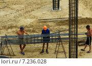 Идёт стройка (2011 год). Редакционное фото, фотограф Александр Кожухов / Фотобанк Лори