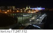 Купить «Вид на ТюмГАСУ с моста Влюбленных ночью», видеоролик № 7247112, снято 11 апреля 2015 г. (c) Павел Столяренко / Фотобанк Лори