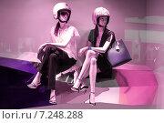 Купить «Витрины фешенебельных магазинов в торговом центре Marina Bay Sands. Сингапур», фото № 7248288, снято 7 января 2014 г. (c) Chere / Фотобанк Лори