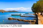 Купить «Рыбацкие лодки и катеры у побережья Крита, Греция», фото № 7270508, снято 9 мая 2014 г. (c) photoff / Фотобанк Лори