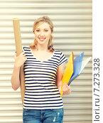 Купить «happy teenage girl with books and folders», фото № 7273328, снято 17 июня 2012 г. (c) Syda Productions / Фотобанк Лори
