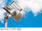 Купить «Антенны базовой станции сотовой связи», фото № 7311652, снято 22 апреля 2015 г. (c) Рожков Юрий / Фотобанк Лори
