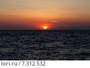 Купить «Закат над морем», фото № 7312532, снято 30 июня 2012 г. (c) Анна Полторацкая / Фотобанк Лори