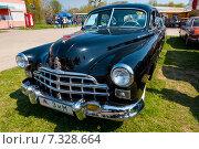 Купить «Старый советский лимузин ЗИМ-12 на фестивале ретро автомобилей», фото № 7328664, снято 26 апреля 2015 г. (c) vale_t / Фотобанк Лори