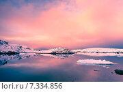 Купить «Beautiful snow-capped mountains in Antarctica», фото № 7334856, снято 1 мая 2008 г. (c) Goinyk Volodymyr / Фотобанк Лори