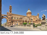 Купить «Palermo Cathedral is the cathedral church of the Roman Catholic Archdiocese of Palermo located in Palermo Sicily southern Italy.», фото № 7344088, снято 15 августа 2018 г. (c) BE&W Photo / Фотобанк Лори