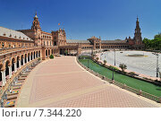 Купить «Plaza de Espana (Place d' Espagne), built between 1914 and 1928 by the architect Anibal Gonzalez, Sevilla, Andalucia, Spain», фото № 7344220, снято 27 марта 2019 г. (c) BE&W Photo / Фотобанк Лори