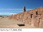 Купить «bolivia - tiwanaku, walls around the temple kalasasayaBolivia, Tiwanaku, Walls Around the Temple Kalasasaya», фото № 7344356, снято 26 апреля 2019 г. (c) BE&W Photo / Фотобанк Лори
