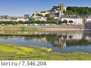 Panoramic view on the Cher River and Montrichard. Стоковое фото, агентство BE&W Photo / Фотобанк Лори