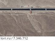 peru - nazca desert and pan-american highwayPeru, Nasca, Desert and Pan American Highway. Стоковое фото, агентство BE&W Photo / Фотобанк Лори