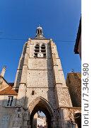 Купить «Колокольня (XVI в.), единственная сохранившаяся постройка монастыря Нотр-Дам-дю-Валь в городе Провен, Франция. Объект ЮНЕСКО», фото № 7346980, снято 22 февраля 2015 г. (c) Иван Марчук / Фотобанк Лори