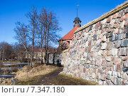 Купить «Музей-крепость «Корела». Стена и Круглая воротная башня. Приозерск», эксклюзивное фото № 7347180, снято 15 марта 2015 г. (c) Александр Щепин / Фотобанк Лори