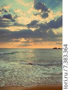 Купить «Морской пейзаж, солнце в облаках над горизонтом», фото № 7383364, снято 11 июля 2018 г. (c) Михаил Коханчиков / Фотобанк Лори