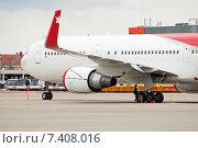 Boeing 757-204 (VP-BOO) крупным планом в аэропорту Шереметьево, эксклюзивное фото № 7408016, снято 15 апреля 2015 г. (c) Константин Косов / Фотобанк Лори