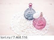 Два стеклянных флакона с парфюмом. Стоковое фото, фотограф Ирина Буракова / Фотобанк Лори