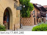 Купить «Красивые дома в Испанской деревне (Poble Espanyol). Барселона. Испания», фото № 7491240, снято 25 апреля 2015 г. (c) Екатерина Овсянникова / Фотобанк Лори