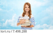 Купить «happy little student girl with many books», фото № 7498288, снято 31 июля 2013 г. (c) Syda Productions / Фотобанк Лори