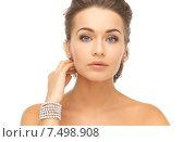 Купить «woman with pearl earrings and bracelet», фото № 7498908, снято 17 марта 2013 г. (c) Syda Productions / Фотобанк Лори